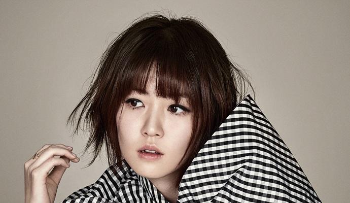 Shim Eun Kyung Is Goofy Amp Chic For Harper S Bazaar Korea S