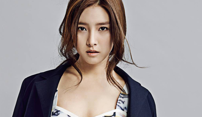 February 2015 issue feat a sizzling kim so eun couch kimchi