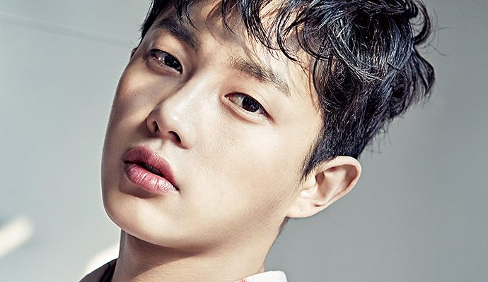 Descendants Of The Sun S Kim Min Suk Is An Innocent Flower Boy In Celebrity Pages