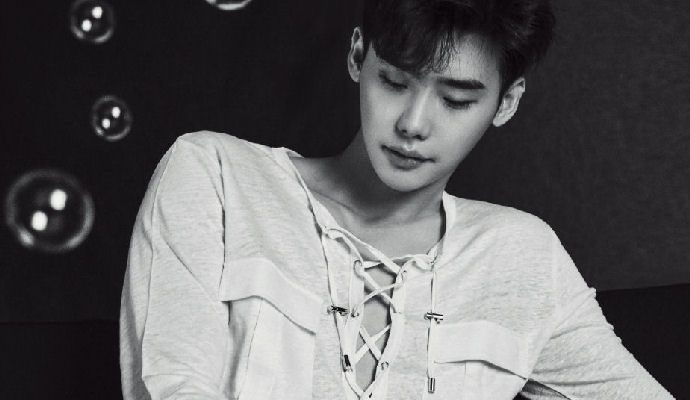 Additional Images Of Lee Jong Suk For W Korea Couch Kimchi