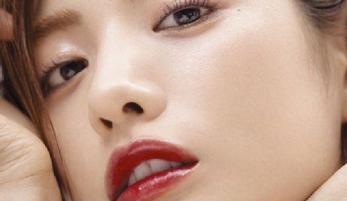 Nana Shines On The Cover Of January 2018 Grazia Couch Kimchi